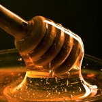 Honey for children with a sore throat
